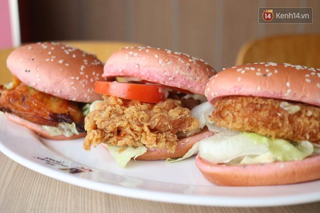"""Review cực nhanh """"siêu phẩm"""" burger thanh long mới toanh của KFC: Hương vị liệu có gì khác biệt so với loại burger thông thường? - Ảnh 9."""