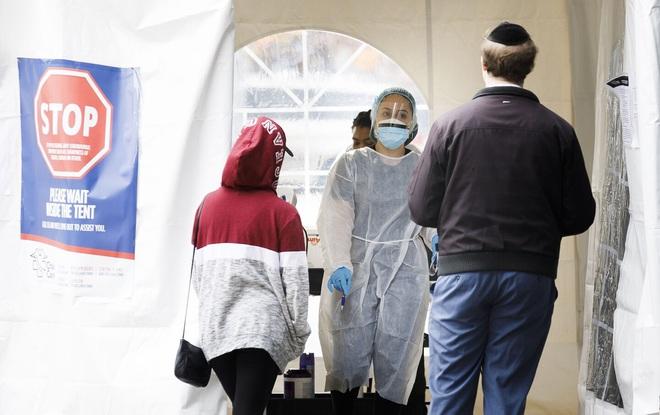 Mỹ thừa nhận hết hy vọng kiểm soát sự lây lan của virus corona, từ bỏ xét nghiệm diện rộng và đổi chiến thuật chống lại đại dịch Covid-19 - Ảnh 3.