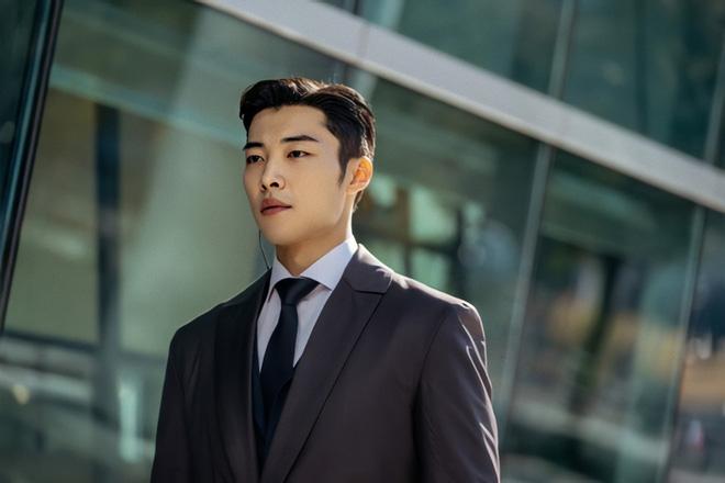 Lee Min Ho chồm tới muốn ăn tươi nuốt sống cận vệ ở Bệ Hạ Bất Tử, bức ảnh thế là đã mắt nhờ nhân đôi visual! - Ảnh 4.
