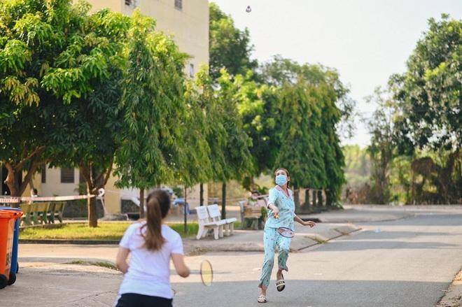 """Nói là làm, Võ Hoàng Yến đăng thông báo """"chiêu sinh"""" lớp catwalk ngay trong khu tập trung: """"Chị đại"""" là đây chứ đâu! - Ảnh 6."""