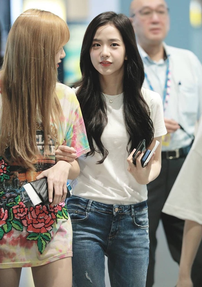 Dàn mỹ nhân Kpop khi diện quần jeans áo trắng: Thước đo nhan sắc chuẩn là đây, một mỹ nhân nhờ vậy mà bỗng nổi sau 1 đêm - Ảnh 4.