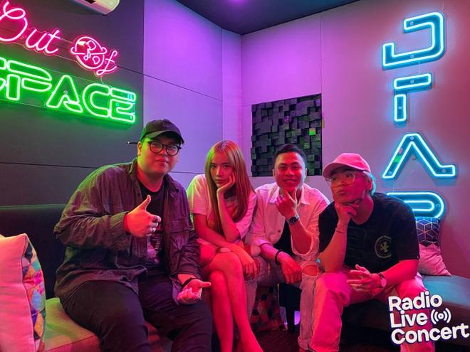 Màn đổi hit có 1-0-2 từ các hit-maker: LyLy lần đầu cover Để Mị Nói Cho Mà Nghe, DTAP khoe giọng cực chất với Anh Nhà Ở Đâu Thế - Ảnh 2.