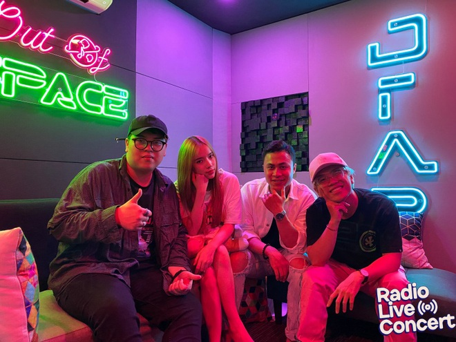 Màn đổi hit có 1-0-2 từ các hit-maker: LyLy lần đầu cover Để Mị Nói Cho Mà Nghe, DTAP khoe giọng cực chất với Anh Nhà Ở Đâu Thế - Ảnh 9.