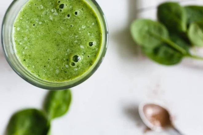 Nếu đã chán ngán các món ăn kiêng, học ngay cách chế biến ngon lạ với rau bina, vừa giúp giảm cân lại tốt cho sức khỏe - Ảnh 2.