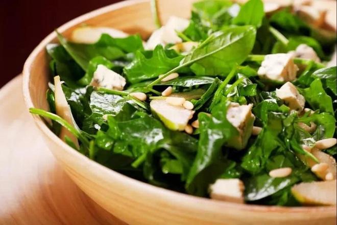 Nếu đã chán ngán các món ăn kiêng, học ngay cách chế biến ngon lạ với rau bina, vừa giúp giảm cân lại tốt cho sức khỏe - Ảnh 9.