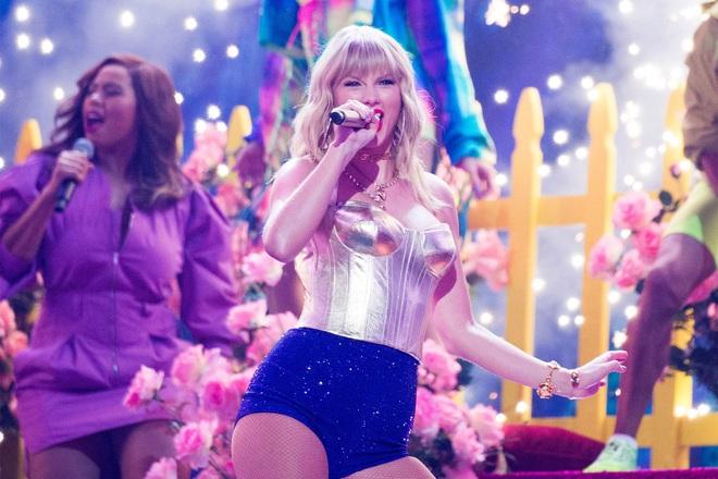 Taylor Swift huỷ bỏ tất cả các show diễn trong năm 2020, fan tiện thể cà khịa Justin Bieber vì huỷ show vì dịch chứ không phải vì ế vé? - Ảnh 2.
