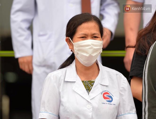 Ảnh: 11 bệnh nhân điều trị Covid-19 tại BV Nhiệt đới Trung ương khỏi bệnh, Việt Nam đã chữa trị khỏi 75 ca bệnh - Ảnh 3.