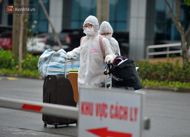 Ảnh: 11 bệnh nhân điều trị Covid-19 tại BV Nhiệt đới Trung ương khỏi bệnh, Việt Nam đã chữa trị khỏi 75 ca bệnh - Ảnh 7.