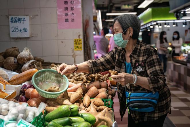 Bạn có thể tránh dịch, nhưng sao thoát được cơn đói?: Chuyện tồn tại của người nghèo châu Á giữa những thành phố bị phong tỏa vì Covid-19 - Ảnh 6.