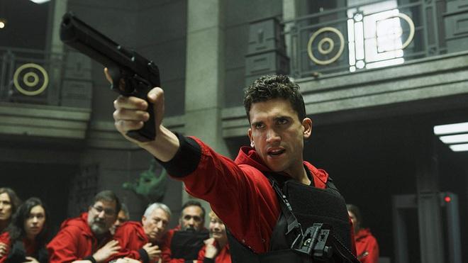 Ngộp thở vì twist của bầy trộm máu lạnh hơn cả Joker ở Money Heist - Top 1 trending Netflix Việt Nam - Ảnh 13.