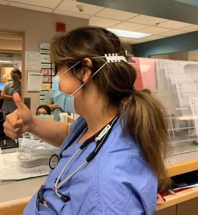 Tài không đợi tuổi: bé trai tạo ra tai giả giúp y bác sĩ không bị đau tai khi đeo khẩu trang - Ảnh 6.