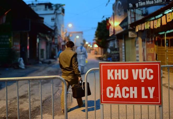 Ảnh: Cận cảnh chốt kiểm soát, phong tỏa thôn Hạ Lôi nơi bệnh nhân 243 sinh sống - Ảnh 7.