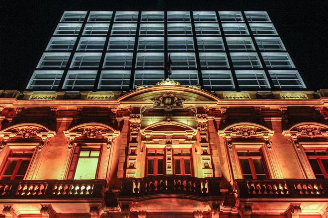 Cận cảnh khách sạn cực sang trọng tại Paraguay, nơi anh em Ronaldinho là những vị khách duy nhất, được ở tại phòng đắt tiền nhất - Ảnh 2.