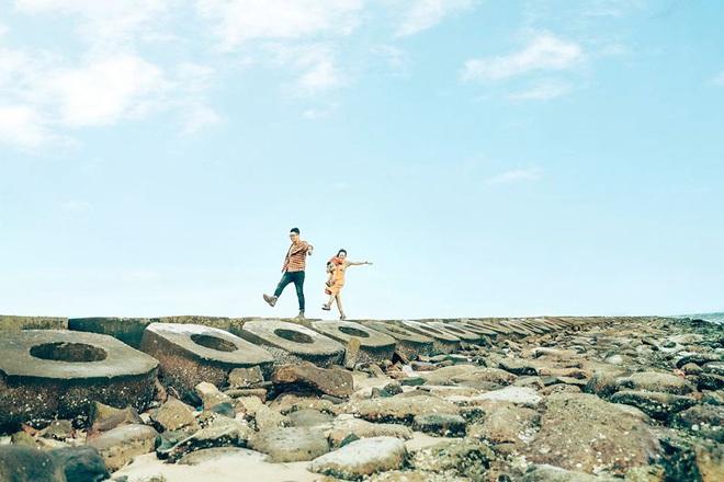 Một vùng đất ở Việt Nam hiện lên rất khác qua bộ ảnh đang viral của gia đình nhỏ mê du lịch: Đẹp trong veo như tranh vẽ, nhìn chỉ muốn đi luôn! - Ảnh 8.