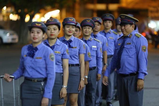 Không phải ai cũng biết Việt Nam có những đoàn tàu chất lượng cao thế này: vừa hiện đại vừa sang trọng, khung cảnh như bước ra từ trong phim - Ảnh 7.