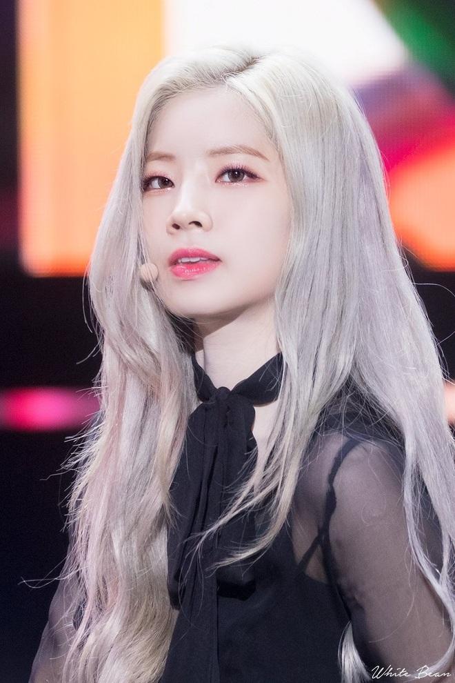 7 nữ idol có sống mũi đẹp nhất Kpop: 2 nữ thần Irene - Nancy cạnh tranh gay gắt, bất ngờ nhất là idol debut gần 10 năm - Ảnh 12.