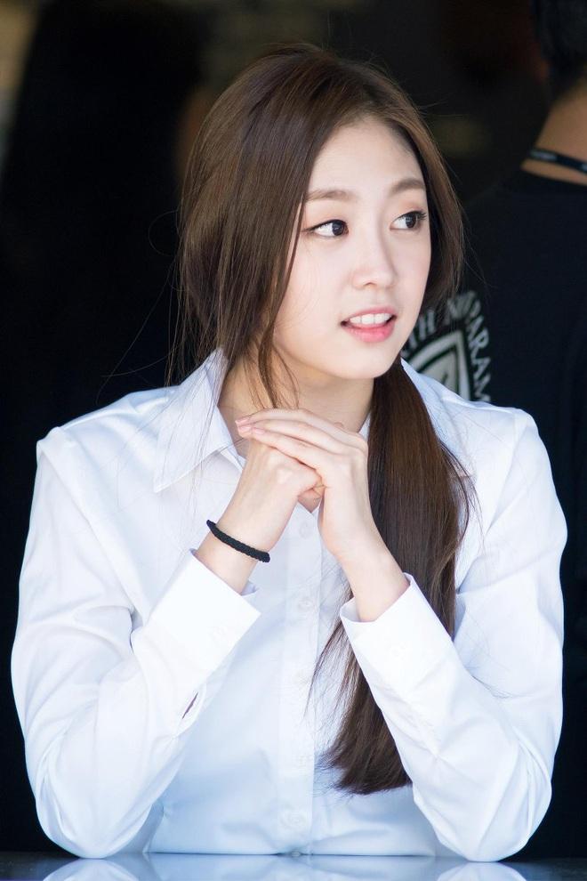7 nữ idol có sống mũi đẹp nhất Kpop: 2 nữ thần Irene - Nancy cạnh tranh gay gắt, bất ngờ nhất là idol debut gần 10 năm - Ảnh 21.