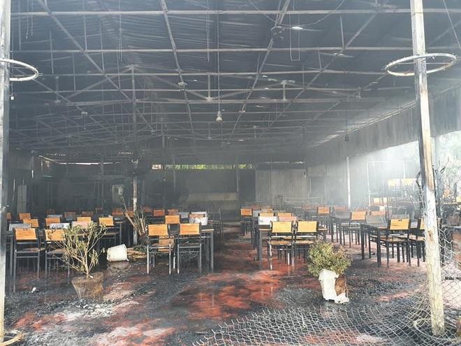 Nhà hàng MC Nguyên Khang bất ngờ cháy rụi khi vừa mở lại sau dịch: Thiệt hại 100%, phải nén buồn để giải quyết mọi chuyện - Ảnh 3.