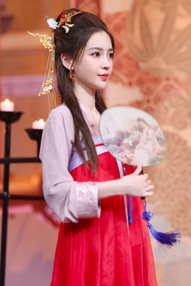 Xem ảnh mới khoe visual cực đỉnh của Angela Baby mới hiểu vì sao Huỳnh Hiểu Minh níu kéo, chiều lòng bà xã bằng được - Ảnh 5.