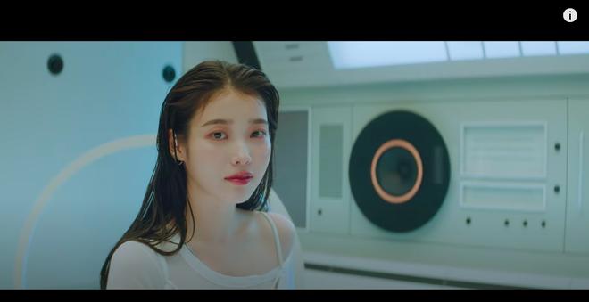 Xôn xao nghi vấn IU gợi nhớ hình ảnh của Sulli trong MV kết hợp cùng Suga (BTS), bài hát viết về người bạn thân đã mất? - Ảnh 6.