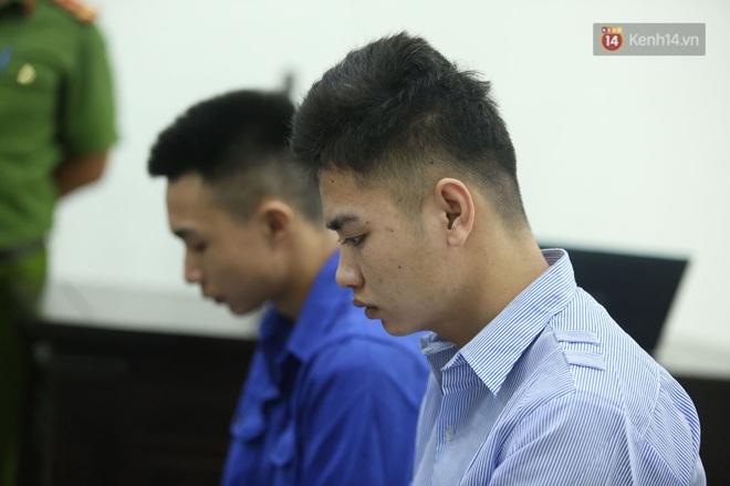 Hoãn phiên xử vụ nam sinh chạy Grab bị sát hại ở Hà Nội, mẹ và chị gái nạn nhân thất thần ra về - Ảnh 5.