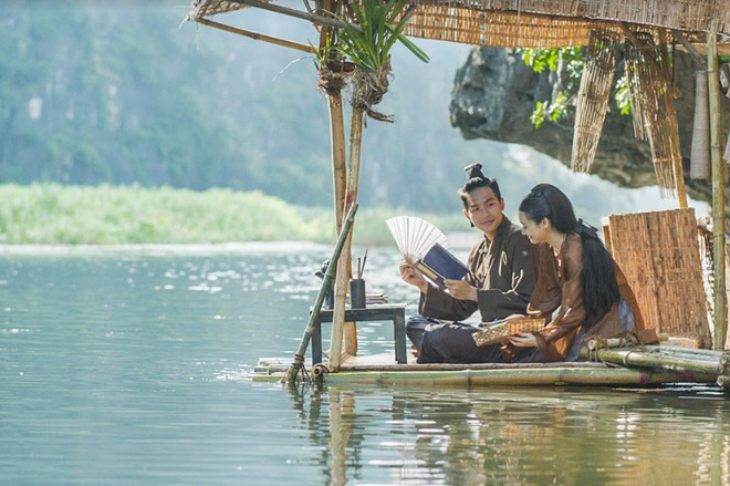 Đâu chỉ riêng cánh ca sĩ, cả làng phim Việt cũng chèo ghe họp chợ miền Tây, có cả khách mời đặc biệt là anh Lee Min Ho đây! - Ảnh 11.