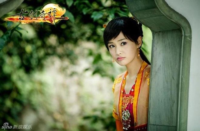 Nghe tin Trịnh Sảng đóng chính Hoa Thiên Cốt, fan cuồng xé ảnh phản đối nhân tiện lôi cả Triệu Lệ Dĩnh vào cuộc - Ảnh 4.