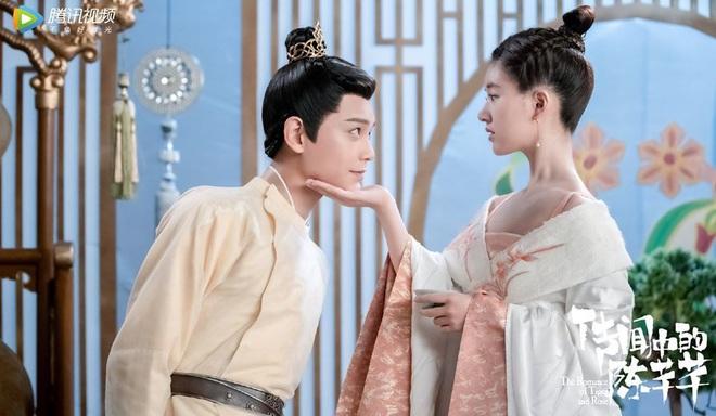 Bi hài chuyện đóng phim của nam chính Trần Thiên Thiên Trong Lời Đồn: Trong lúc bối rối nhai luôn cả đạo cụ, ơ kìa anh - Ảnh 1.