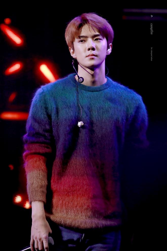 Nhan sắc của người được SM tuyển hụt trên phố Jin (BTS) và người được chọn trên đường Sehun (EXO): Toàn mỹ nam cực phẩm, khí chất như tổng tài - Ảnh 7.