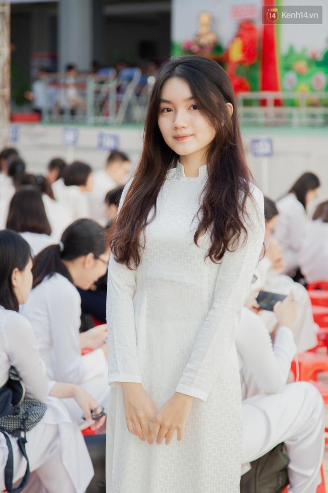 Lễ bế giảng của ngôi trường 60 năm tuổi ở Sài Gòn: Dàn nữ sinh khiến người khác ngẩn ngơ mê mẩn - Ảnh 3.