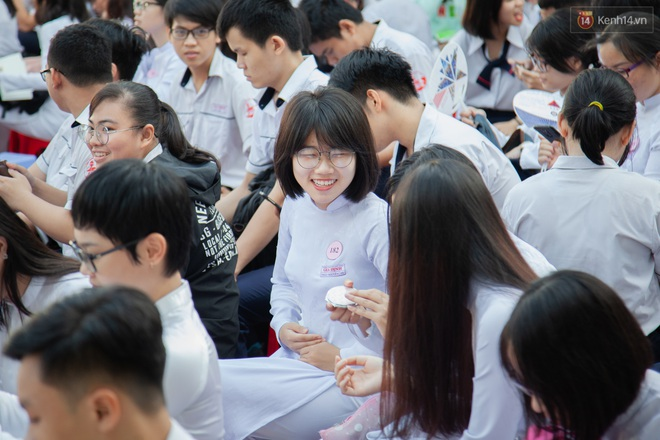 Lễ bế giảng của ngôi trường 60 năm tuổi ở Sài Gòn: Dàn nữ sinh khiến người khác ngẩn ngơ mê mẩn - Ảnh 6.