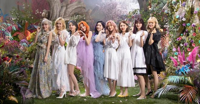 25 ngôi sao nhạc Pop đỉnh nhất thế giới theo Bloomberg: BTS và BLACKPINK ra chuồng gà, TWICE mới là đại diện Kpop duy nhất!  - Ảnh 6.