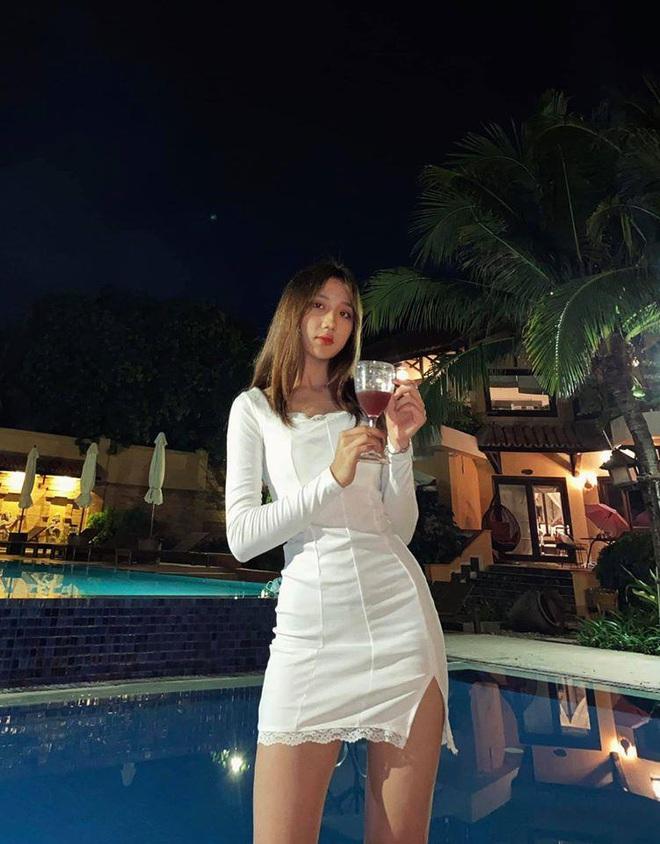 Cô giáo Mina Young tung ảnh bikini nóng bỏng, thả dáng nuột nà khiến fan boy đứng ngồi không yên! - Ảnh 11.