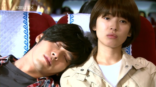 Loạt khoảng khắc ngọt mê mẩn của Song Hye Kyo - Hyun Bin ở phim cũ gần 10 năm trước - Ảnh 12.