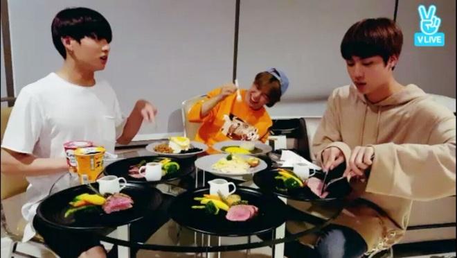 6 sao Hàn mang danh thánh mì tôm: Có chàng idol tuyên bố mẫu hình lý tưởng chỉ cần nấu mì ngon, bất kể giới tính - Ảnh 8.