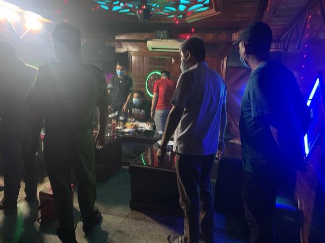 24 thanh niên nam nữ phê ma túy trong quán karaoke ở Đà Nẵng bất chấp dịch Covid-19 - Ảnh 1.