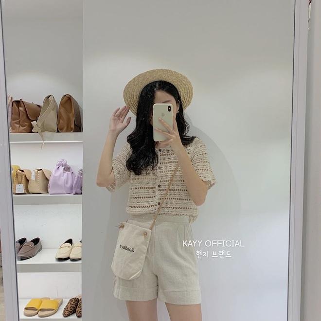 Kiểu áo bạn nên sắm trước tiên thu này chính là cardigan len móc, diện lên xinh chuẩn Hàn Quốc - Ảnh 3.