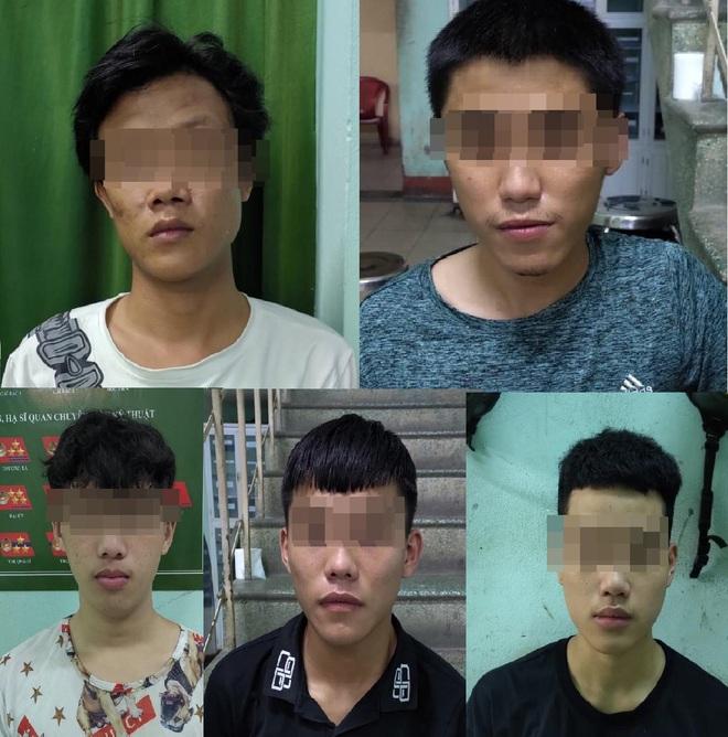 5 thanh niên thuê khách sạn để phê ma túy giữa lúc cách ly xã hội - Ảnh 1.