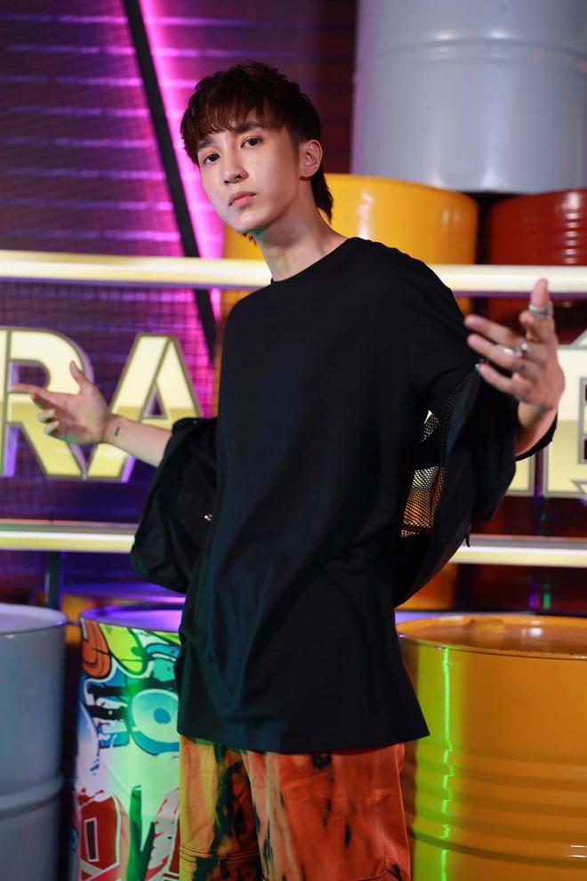 Hậu Rap Việt, Key (MONSTAR) cực hot trên page mỹ nam, fan nữ gào thét: Em muốn theo anh về nhà - Ảnh 1.