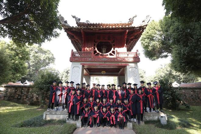 Lớp học siêu đỉnh với 32/32 học sinh đỗ chuyên Hà Nội, toàn Thủ khoa, Á khoa các trường top - Ảnh 1.