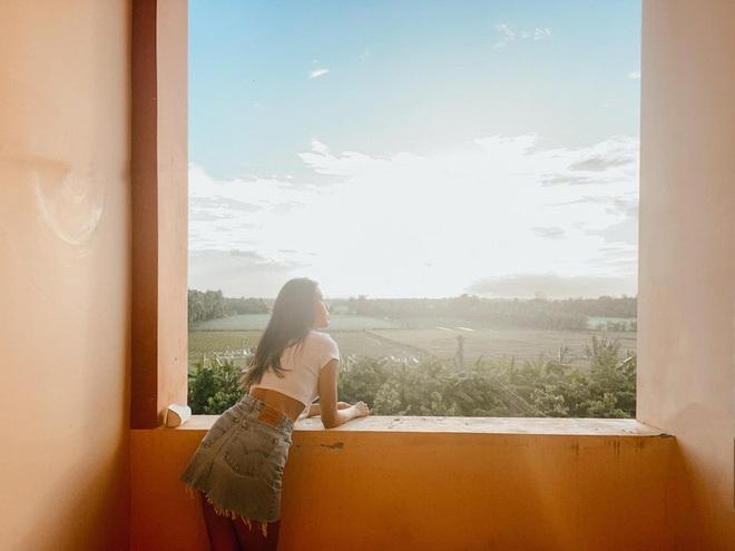 Xem bộ ảnh của Minh Tú trong khu giặt đồ cũng rút ra được loạt bí kíp sống ảo đẹp dù đứng ở đâu - Ảnh 5.