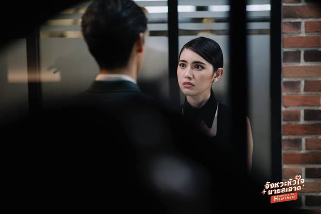 Mùa Hè Của Hồ Ly bản Thái tung thính siêu xịn: Mai Davika sang chảnh quá chừng nhưng lại cặp kè tận hai anh? - Ảnh 4.