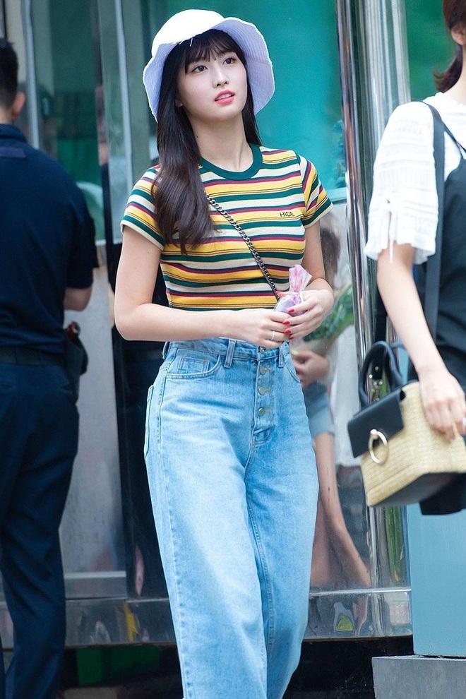 Sao Hàn có đến 8 chiêu nâng tầm sang xịn cho quần baggy jeans, copy theo thì style của bạn cũng thăng điểm tức thì - Ảnh 4.