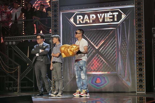 Lão đại Wowy gây tranh cãi tại Rap Việt khi khuyên thí sinh nên chọn Đại học thay vì Rap - Ảnh 1.