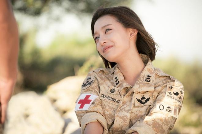 3 chị đại quân nhân ngầu bá cháy ở phim Hàn: Krystal đẹp đấy nhưng chưa gây thương nhớ bằng Trung úy Kim Ji Won - Ảnh 9.