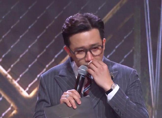 Trấn Thành tiếp tục rơi nước mắt lần thứ 3 trên sân khấu Rap Việt - Ảnh 3.