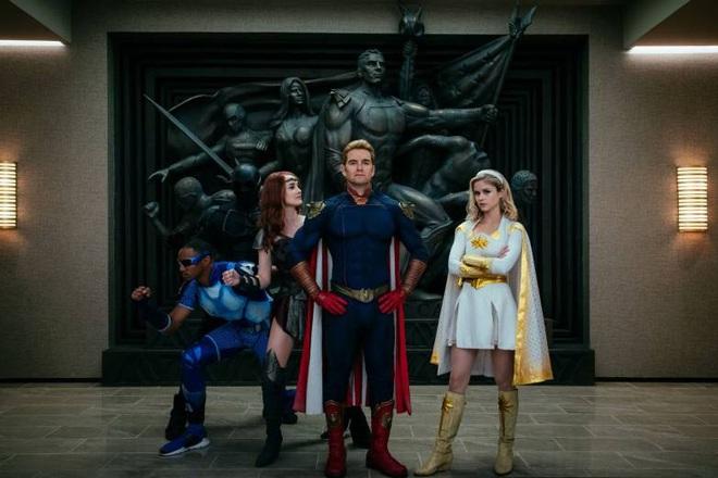Phim siêu anh hùng The Boys: Đạo nhái trắng trợn DC - Marvel vẫn bánh cuốn bởi độ đen tối rợn người! - Ảnh 1.