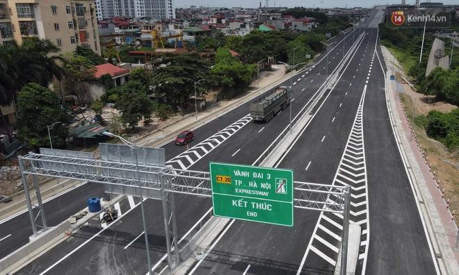 Cận cảnh cầu cạn Mai Dịch - Nam Thăng Long đã rải nhựa xong chờ ngày thông xe - Ảnh 3.