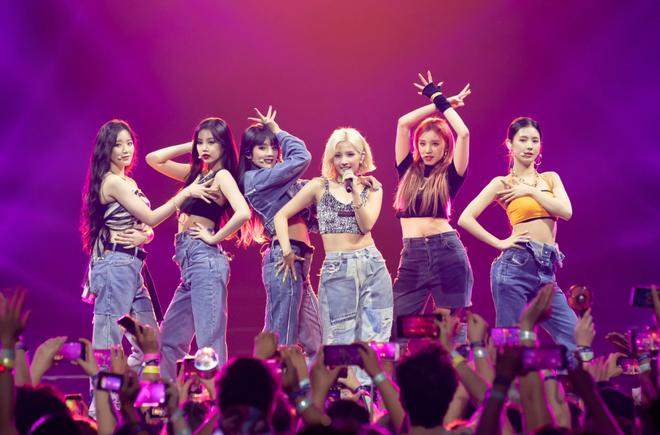 Thắng cúp show âm nhạc: cú chuyển mình của nhiều nhóm nhạc Kpop - Ảnh 6.