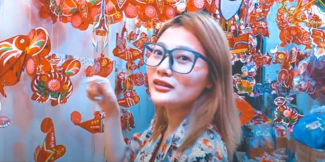 Clip: Phố lồng đèn Sài Gòn vắng khách, tiểu thương chỉ bán được 50% so với mọi năm - Ảnh 6.